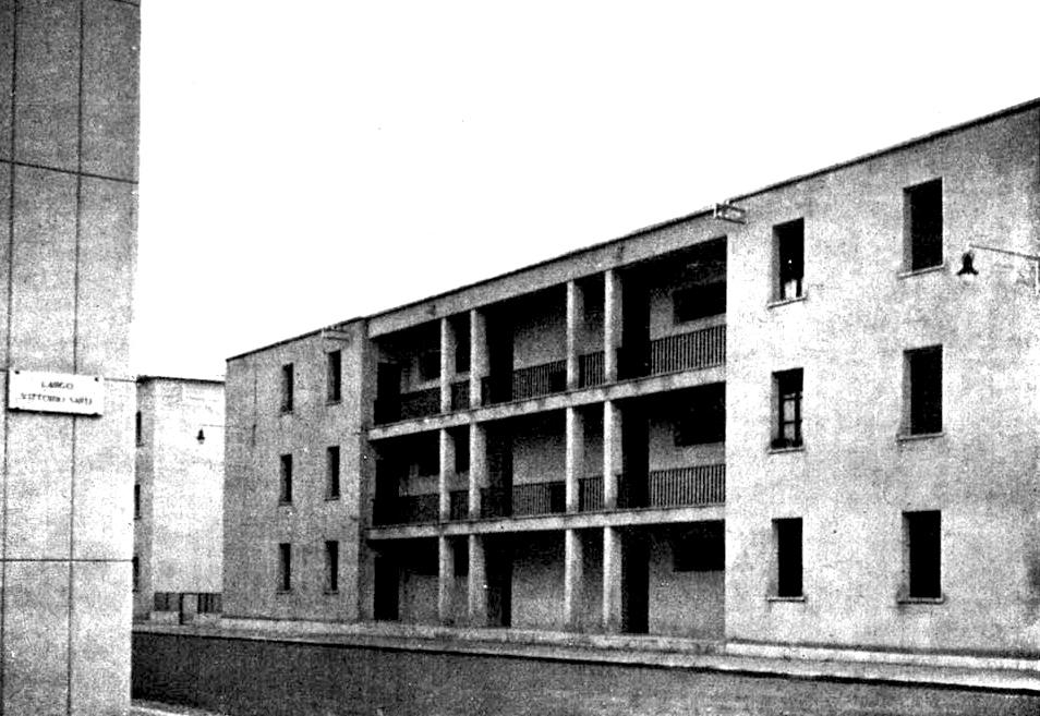 Casa popolare a quattro alloggi per piano